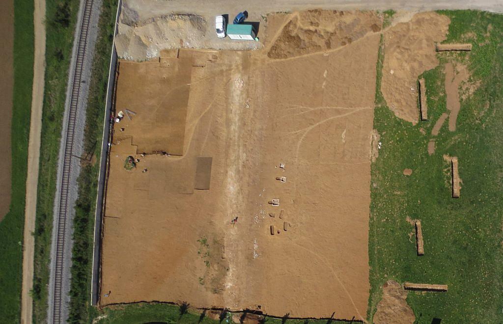 Geavis-arheoloska-dediscina-iz-zraka